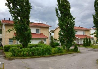 Julkisivujen puuosien maalaus ja uusien aitojen rakentaminen, Vantaa